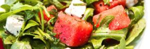 Салат из рукколы с сыром фета и арбузом