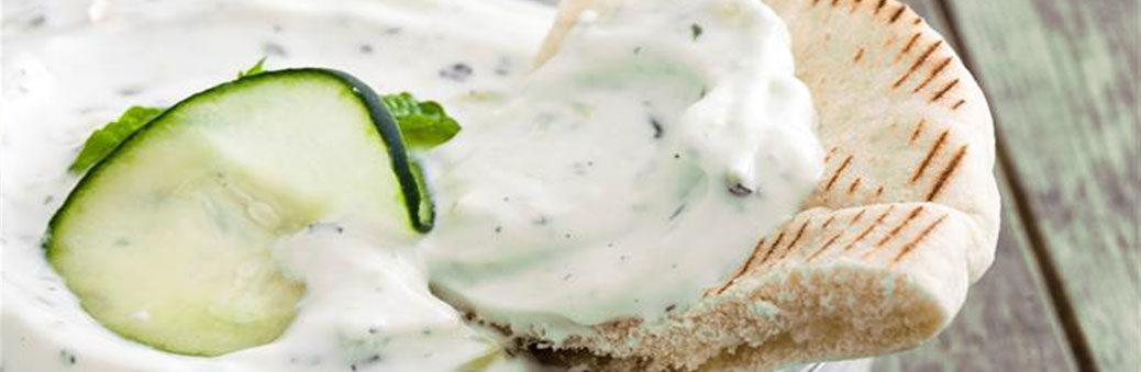 Огуречно-йогуртовая салатная заправка