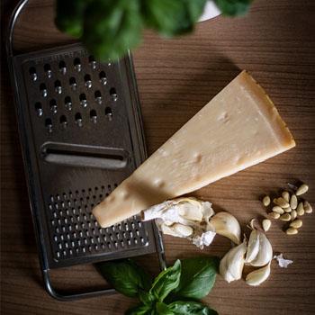 Рецепт песто с зеленым чесноком и шпинатом