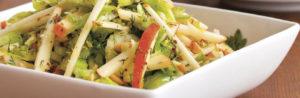 Салат из яблок, горчицы, лука шалот и оливкового масла