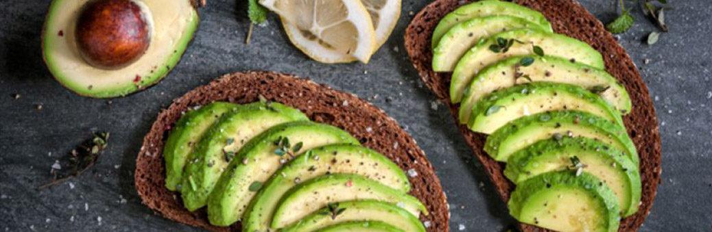 Бутерброд с лимоном и авокадо рецепт