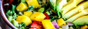 Салат с авокадо, манго и оливковым маслом рецепт
