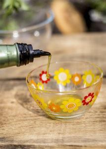 Как выбрать оливковое масло. Цвет оливкового масла