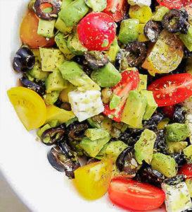 Салат с авокадо и оливками рецепт
