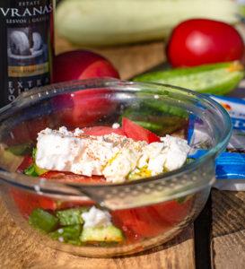 салат с огурцами, помидорами и сыром фета рецепт